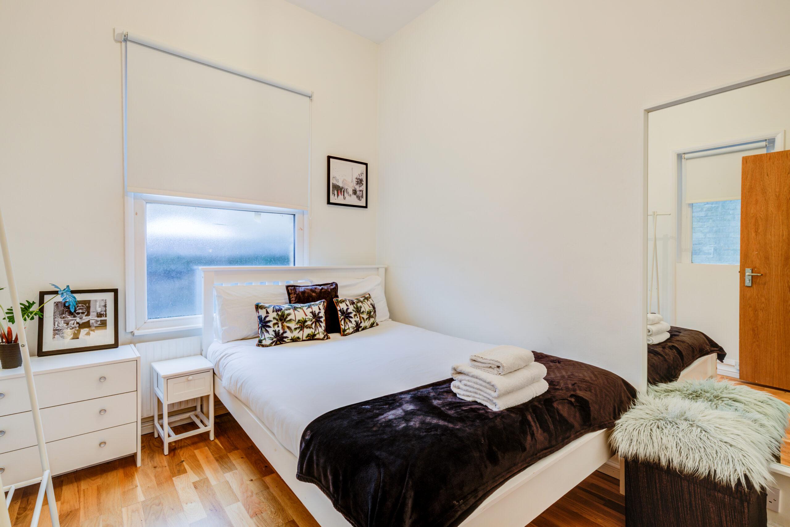 2 bedroom flat , Danbury street